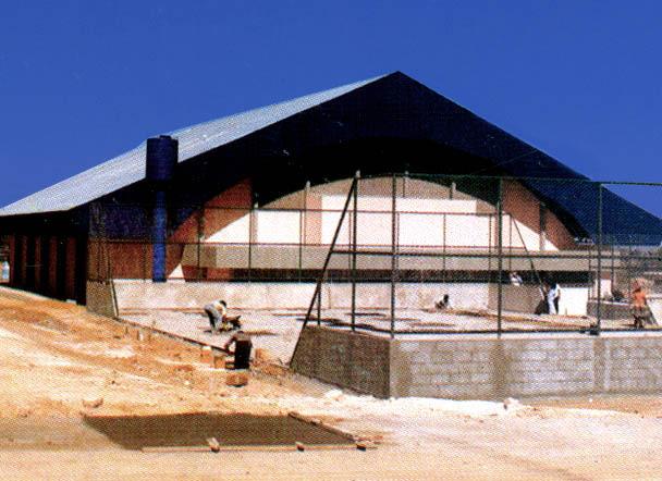 Construção das quadras e do Ginásio Ayrton Senna.