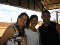 Ao centro, professora Luciana, idealizadora do projeto