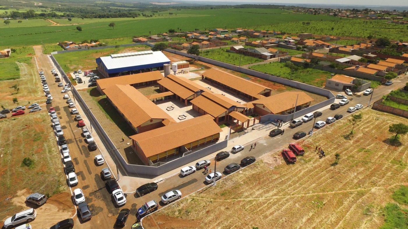 Resultado de imagem para Estabelecimentos de ensino são referência no estado de Goiás e abrem vagas em bairros carentes do município